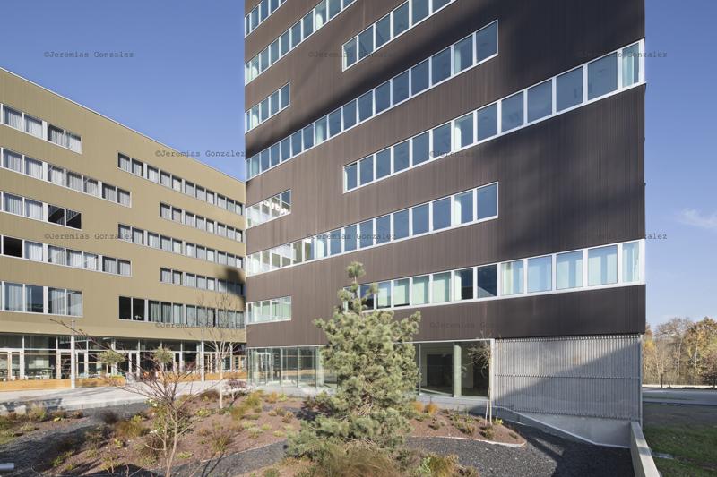 http://jeremiasgonzalez.com/files/gimgs/64_hotelinternet03.jpg